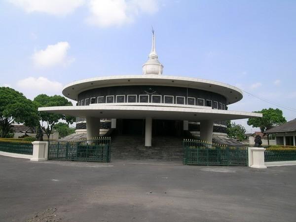 Business Museum Perjuangan Yogyakarta Biz_selected